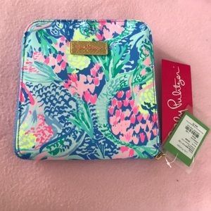 Lilly Pulitzer Getaway Packable tote Mermaids Cove